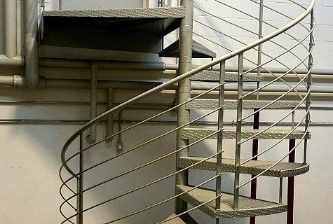 Scale circolari a chiocciola installazione e progettazione for Piani quadrati a chiocciola